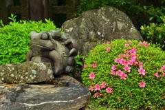 西院春日神社・一願蛙3