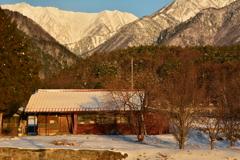 爺ガ岳を望む家9