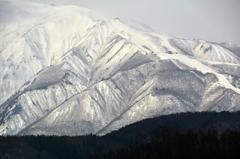 八方尾根スキー場を望む