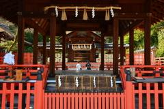 建勲神社・拝殿と神門2