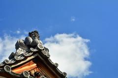 達磨堂と秋の空