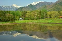 新緑の北葛岳と蓮華岳