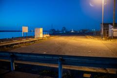 港の朝-2