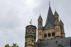 旧魚市場タワーと聖マルティン教会