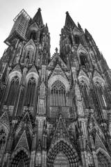 BW見上げる世界 ケルン大聖堂1@ケルン