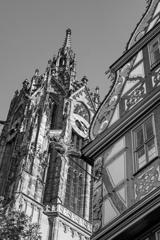BW見上げる世界 聖バルトロメウス大聖堂と黄金の天秤の家@フランクフルト