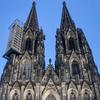 緻密な造形・・・ケルン大聖堂正面上部尖塔