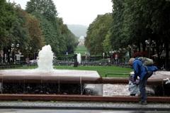 ドイツ&ベルギーの旅 冷たい雨でも・・・夏は水遊び♪ だよね(^.^)