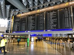 コロナ禍の一時帰国 閑散としたフランクフルト国際空港