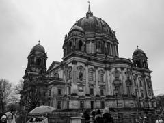 BW見上げる世界 世界遺産の一部・・・ベルリン大聖堂@ベルリン