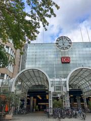 デュッセルドルフ中央駅ベルタ・フォン・ズットナープラッツ口