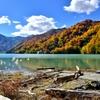 錦秋の湖畔