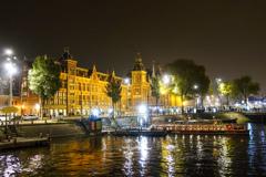 アムステルダム中央駅夜景