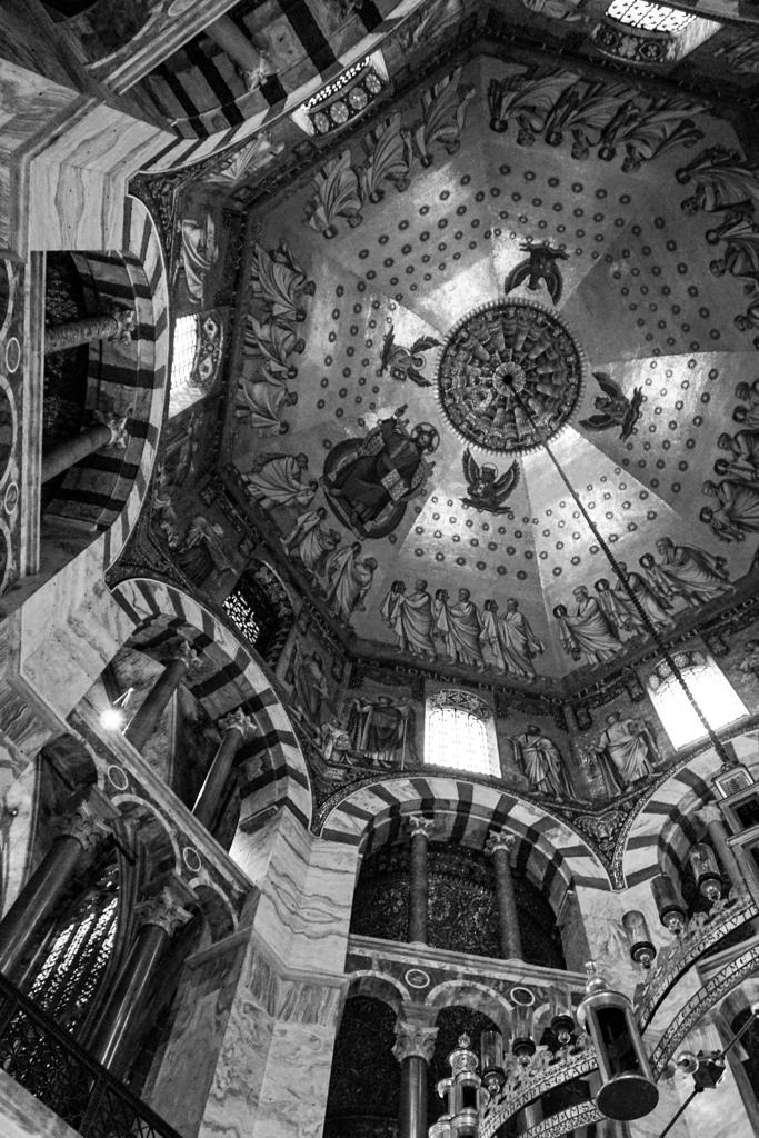 BW見上げる世界 アーヘン大聖堂2@アーヘン