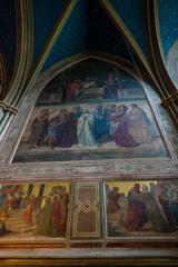 壁面に広がるフレスコ画 アポリナリス教会@レマーゲン