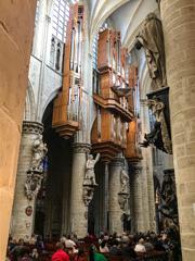 感動の音色♪ サン・ミッシェル大聖堂@ブリュッセル