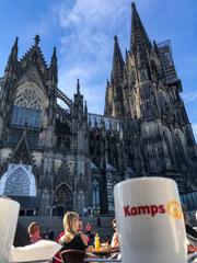 大聖堂を眺めて朝のコーヒーでも♪@ケルン