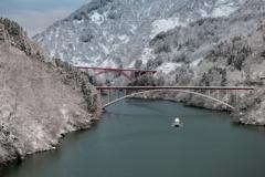 新雪 庄川峡