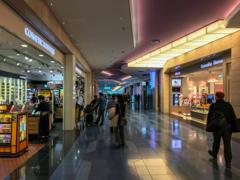東京国際空港国際線ターミナル免税店街