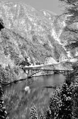 弥生 雪の庄川峡Ⅱ(モノクロバージョン)