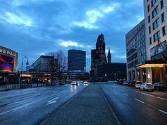 早朝のカイザー・ヴィルヘルム記念教会@ベルリン