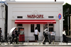 白いカフェ