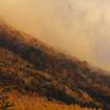 男体山を駆け上がる雲