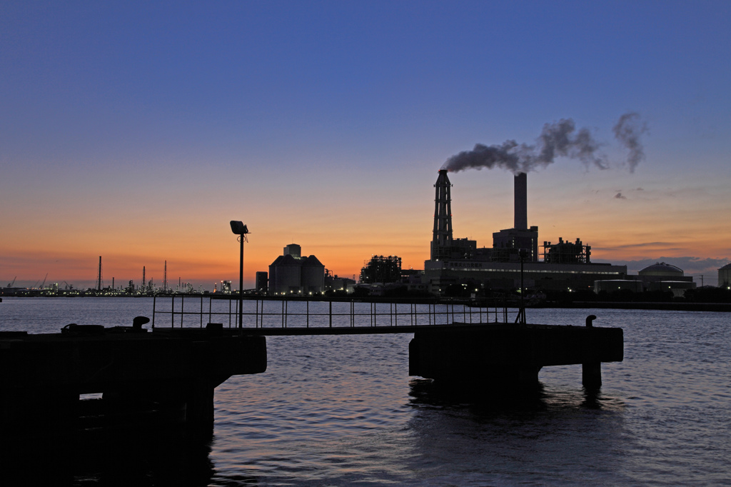 Dawn of the power plant