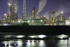 川向こうの工場夜景