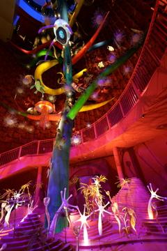 強烈な色彩の生命の樹