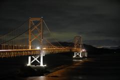 大鳴門橋の先に南あわじの灯りが見える