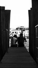 桟橋の二人