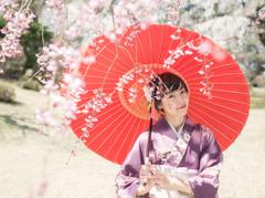 紅傘としだれ桜-富士ビューホテル-