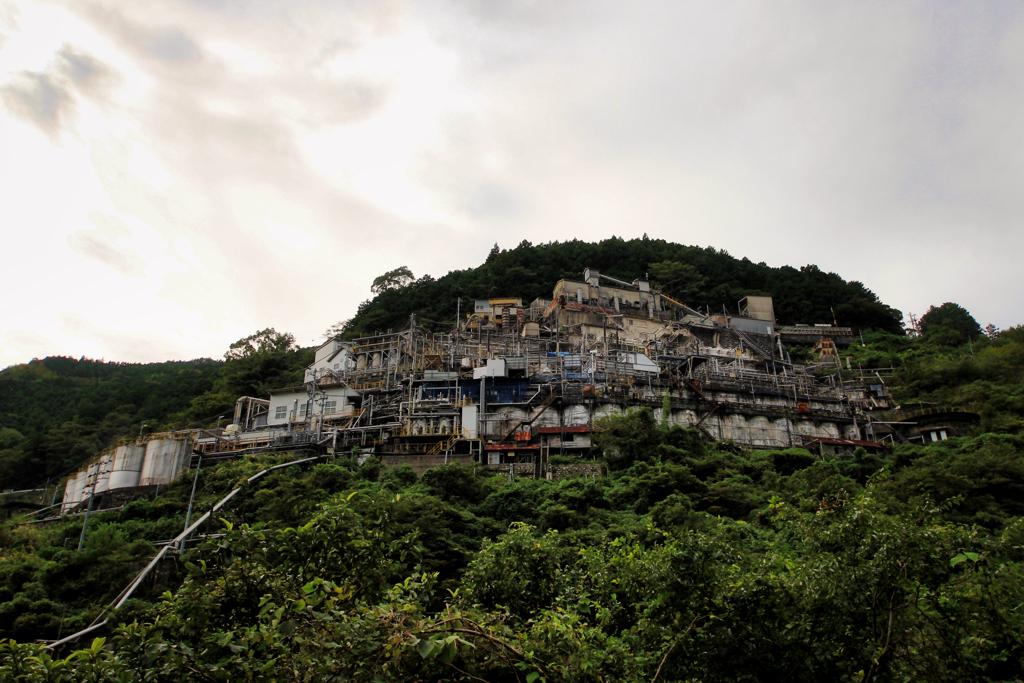 山の中の要塞