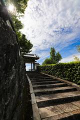 境内への階段