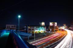 歩道橋と光筋