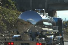 トラックの凸面鏡
