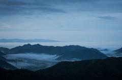 朝靄の街。