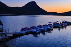 静かな夜明け (榛名湖)