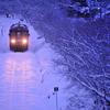 始発列車の光