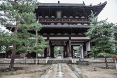 雨 - 萬福寺三門