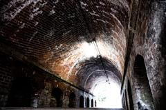 煉瓦造りのトンネル