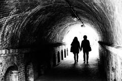 『トンネル』