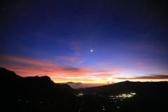 インドネシアの夜明け