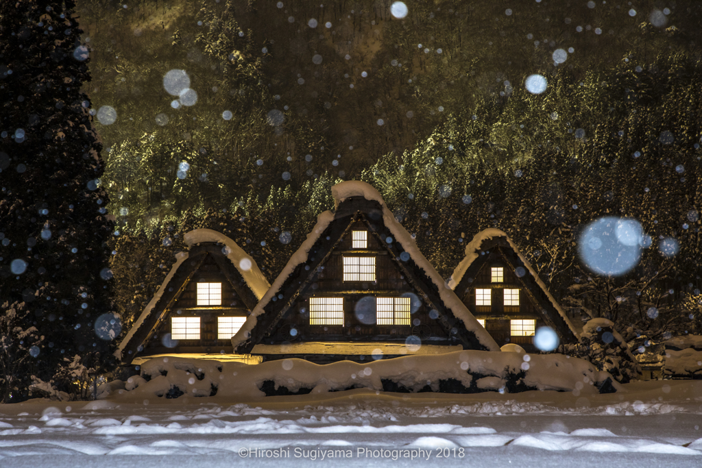 冬の三連合掌(白川郷)
