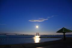 月夜の浜名湖