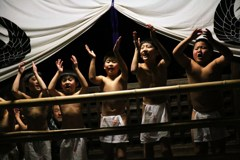 """奇祭""""裸踊り・少年""""②"""
