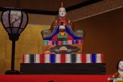 桃の節句-土人形のひな飾り2