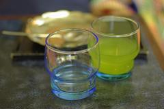 Blue glass & green tea (青いグラスと緑茶)