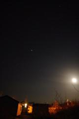 西側の月・星